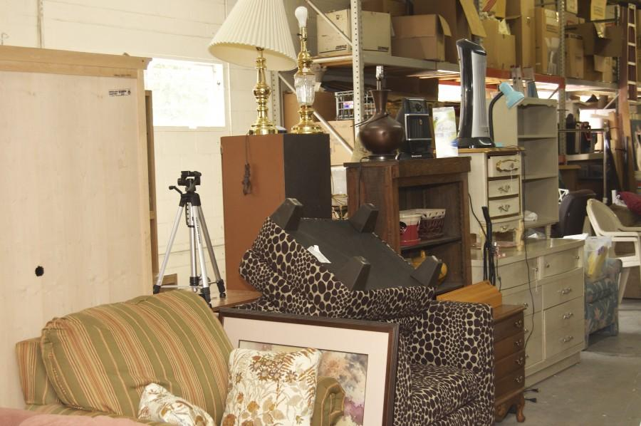 ... Household Items In Furniture Thrift Stores ...