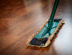 8 Cleaning Hacks for Moving